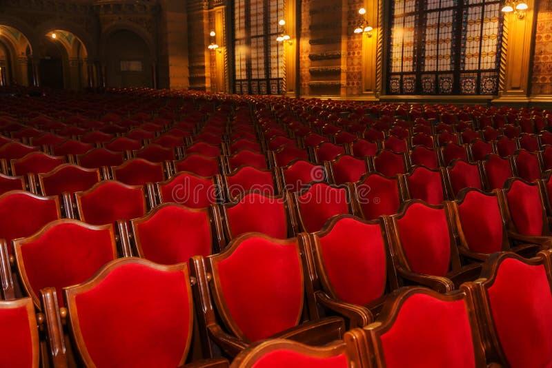 Wewnętrzna teatr sztuka Widownia z pustymi miękkimi karłami opera i Baletniczy teatr czekać na widowni Pusty wnętrze zdjęcie stock