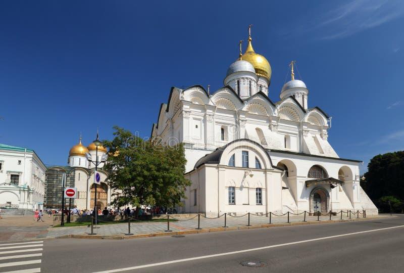 wewnątrz Kremla Widok Ivan Wielki Dzwonkowy wierza, wniebowzięcie Ca zdjęcia stock