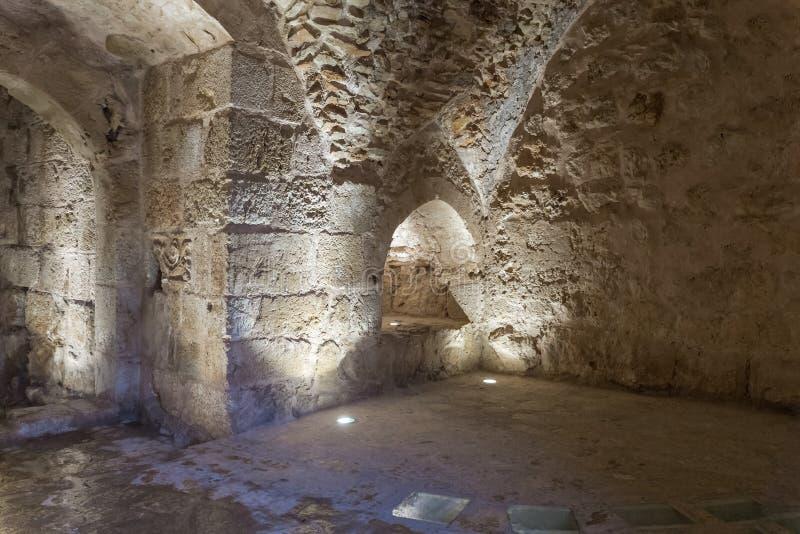 Wewnętrzna sala w Ajloun kasztelu, także znać jako Qalat ar, jest 12 th wieka muzułmanina kasztelem lokalizującym w północno-zach fotografia stock