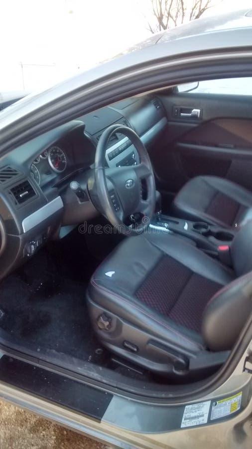 wewnętrzna samochodu w skórzany prędkość strony pojazdu obraz royalty free
