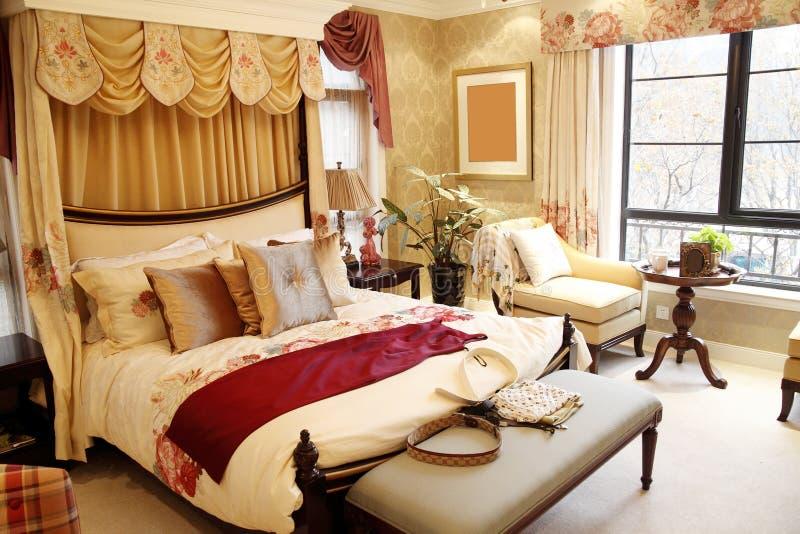 wewnętrzna sypialni kobieta s zdjęcie royalty free