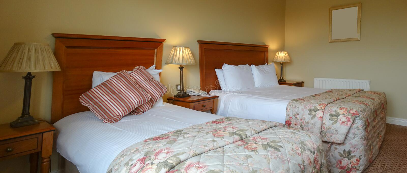 Wewnętrzna sypialnia hotel fotografia royalty free
