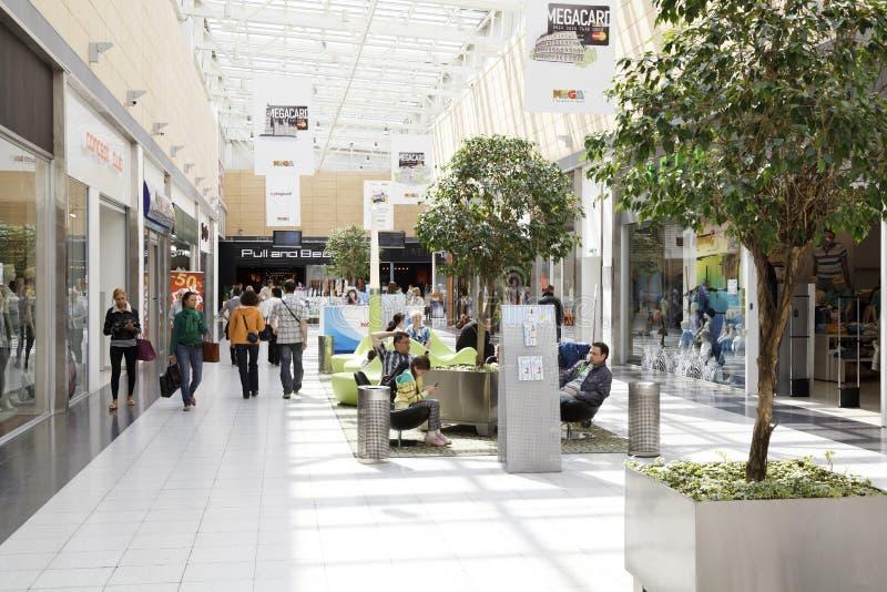 wewnętrznego centrum handlowego mega widok obraz stock