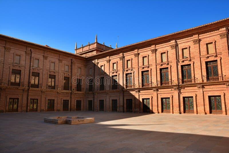 Wewnętrzny podwórze Królewski monaster El Puig, Hiszpania fotografia stock