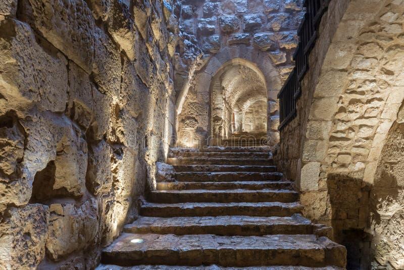 Wewnętrzny przejście w Ajloun kasztelu, także znać jako Qalat ar, jest 12 th wieka muzułmanina kasztelem lokalizującym w północno obraz stock