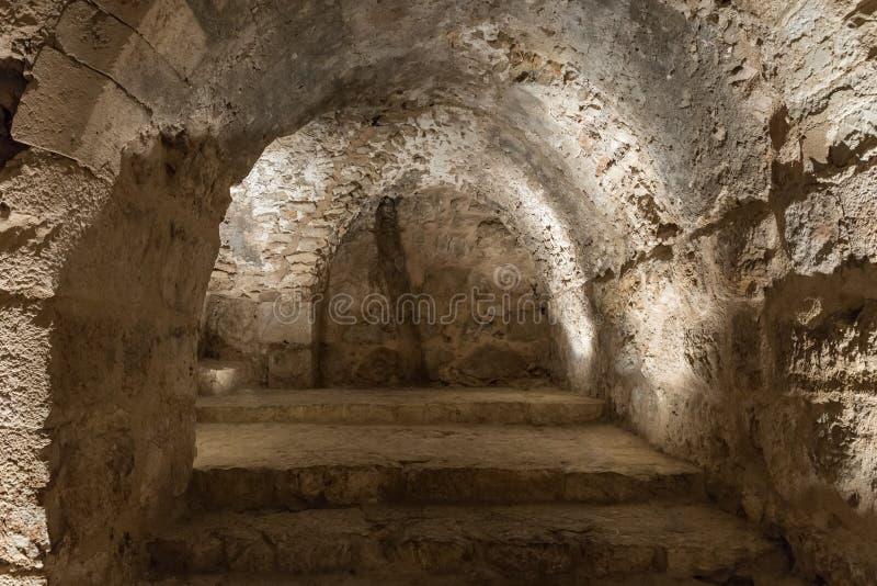 Wewnętrzny przejście w Ajloun kasztelu, także znać jako Qalat ar, jest 12 th wieka muzułmanina kasztelem lokalizującym w północno zdjęcie stock