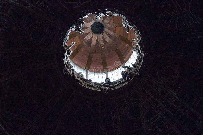 Wewnętrzny widok kopuła Duomo di Siena Wielkomiejska katedra Santa Maria Assunta tuscany Włochy zdjęcia royalty free