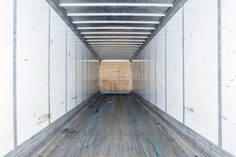 Wewnętrzny widok pusta ciężarówka suchy Samochód dostawczy Przyczepa semi fotografia royalty free