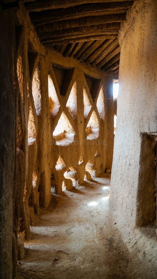 Wewnętrzny widok tradycyjna stara piekarnia w Agadez, Niger fotografia stock