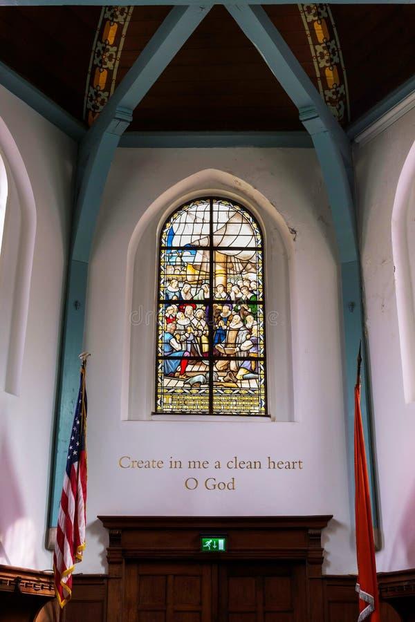 Wewnętrzny witrażu okno, kościół, Begijnhof Kapela, Amsterdam, Holandia zdjęcie stock