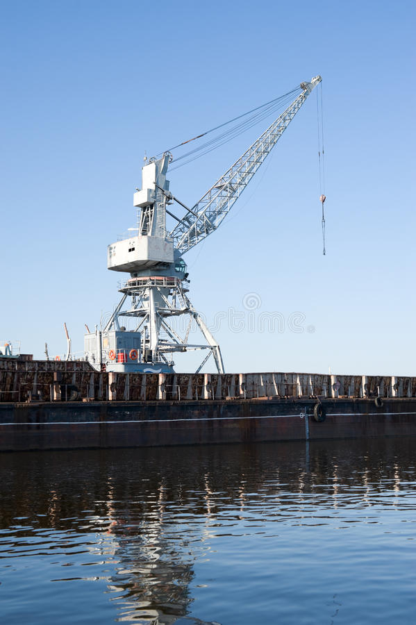 Free Wharf With Hoisting Crane Royalty Free Stock Image - 14999316