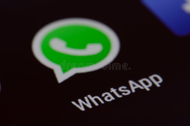 Whatsapp, nowa wiadomość, ekran obraz royalty free