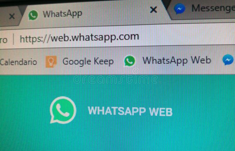 Whatsapp rengöringsdukURL, med dess bokmärke och sida av detta sociala nätverk för pratstund fotografering för bildbyråer