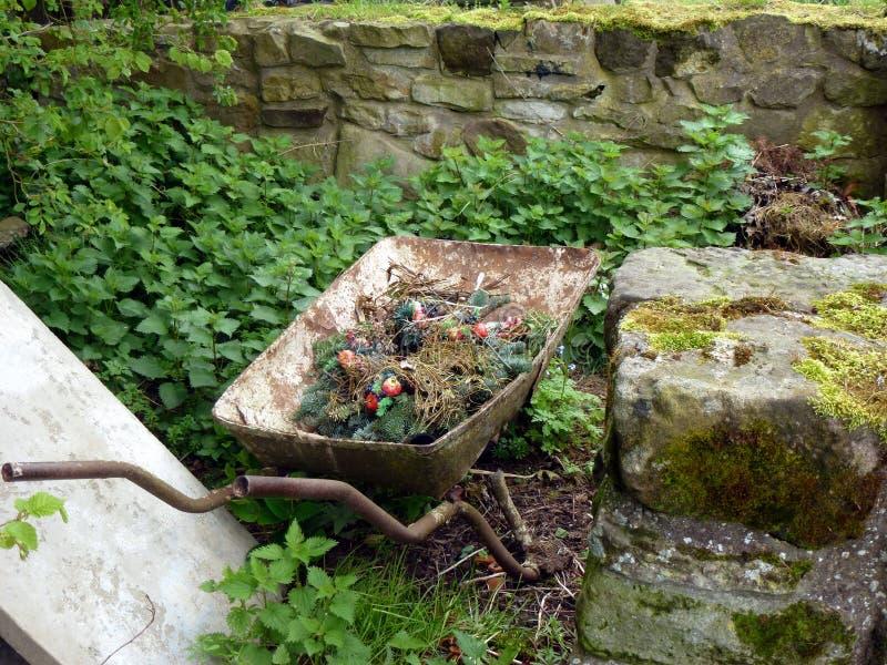 wheelbarrow foto de stock