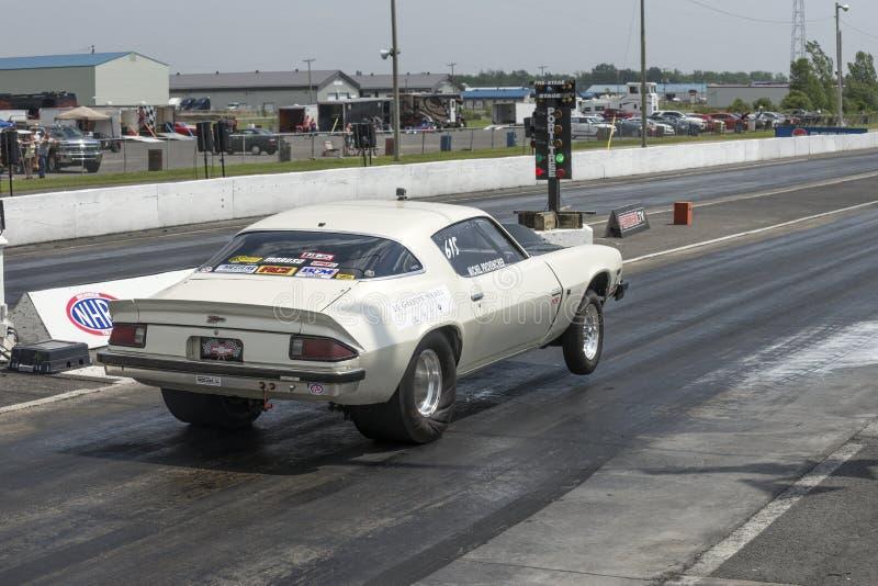 Wheelie del coche de la fricción fotos de archivo