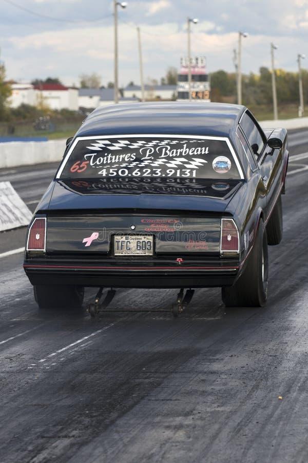 Download Wheelie sur la voie photo éditorial. Image du horsepower - 45357891