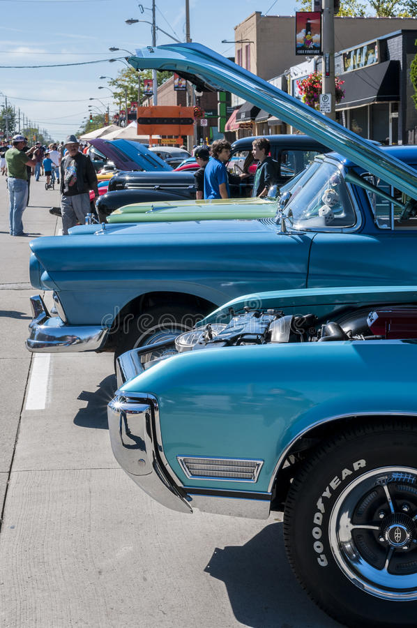 Download Wheels On Wyandoote Classic Car Show Editorial Stock Photo - Image: 33839728