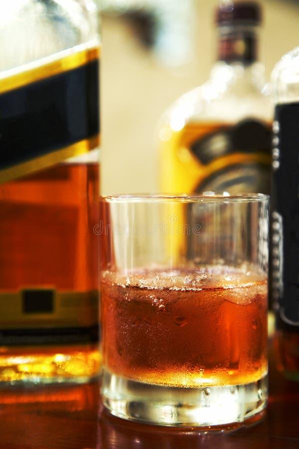 Whiskey avec de la glace photos libres de droits