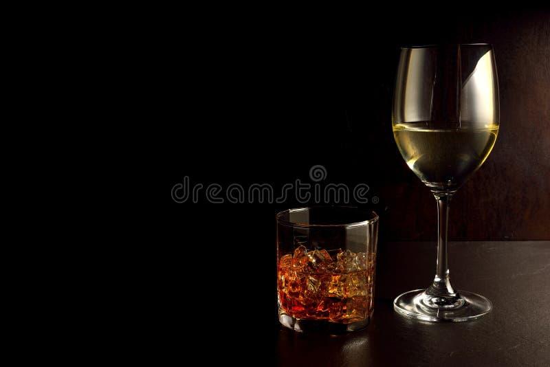 Whiskey e vino fotografia stock libera da diritti