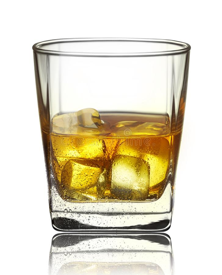 WHISKEY WIH ICE CUBES WITH WATER DROPS royalty free stock photos