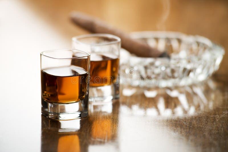 Download Whisky zdjęcie stock. Obraz złożonej z pojedynczy, duchy - 28950120