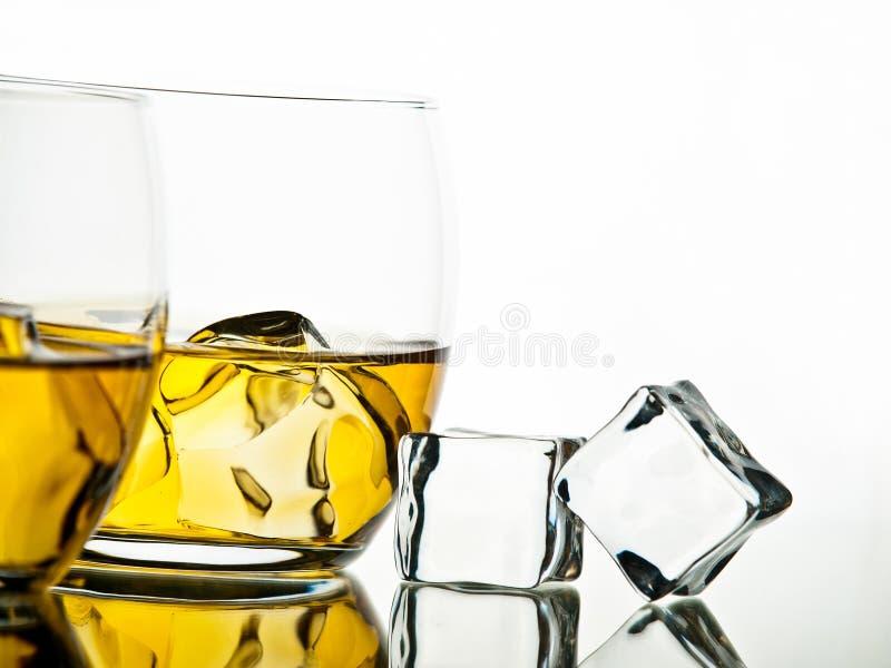 Download Whisky foto de archivo. Imagen de escocés, reflexión - 42441720