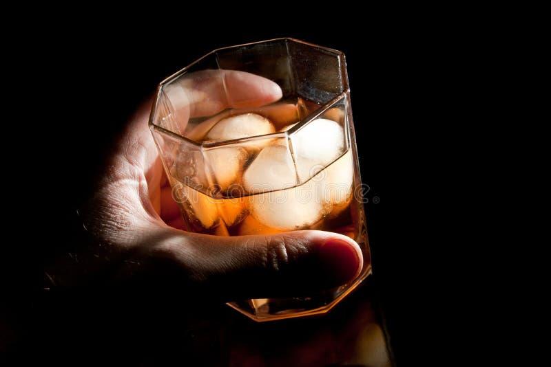 Whisky dell'oro disponibile fotografie stock