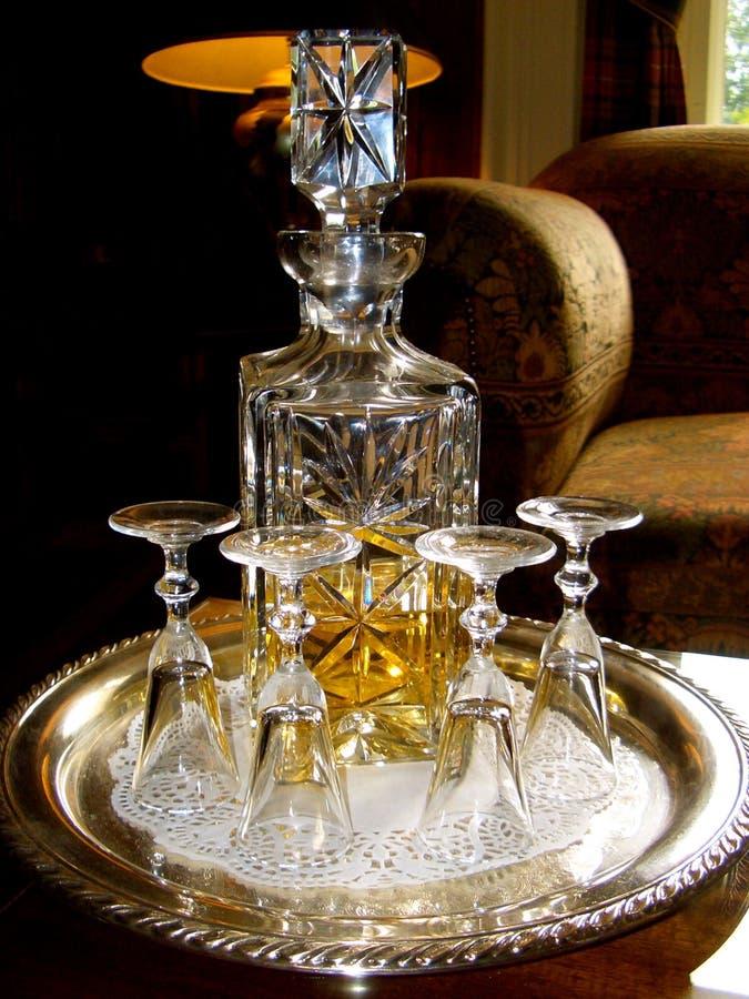 Whisky escocés en una jarra cristalina fotos de archivo libres de regalías
