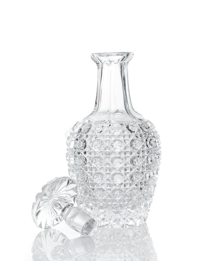 Whisky krystaliczny dekantator na bielu zdjęcie stock