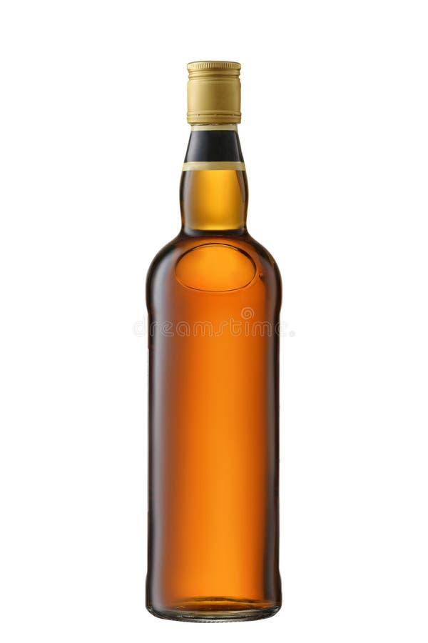 Whisky lleno de la vista delantera, coñac, botella del brandy aislada en el fondo blanco con la trayectoria de recortes fotos de archivo libres de regalías