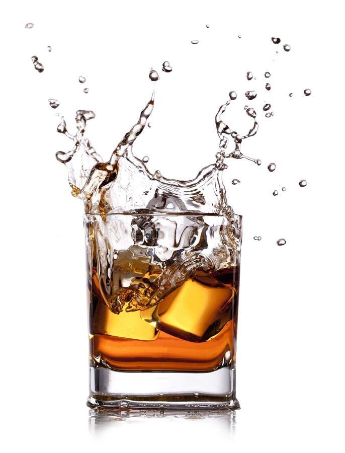 Whisky met ijsblokjes royalty-vrije stock afbeelding