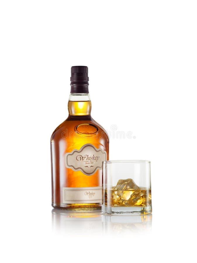 Whisky na bielu zdjęcia stock