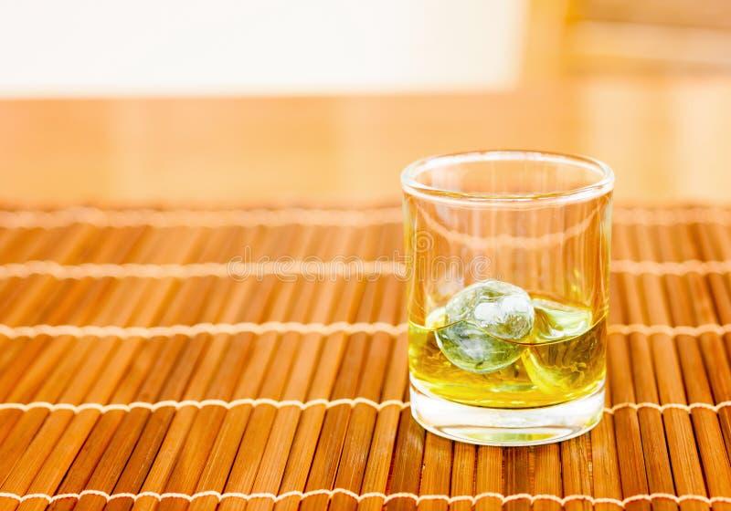 Whisky på vagga arkivbilder