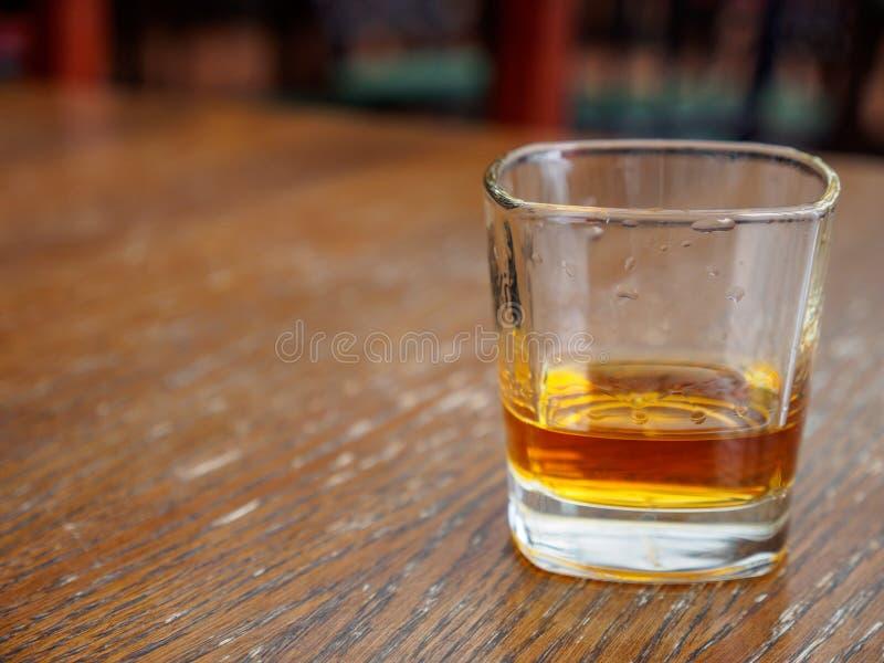 Whisky w skały szkle, Montreux, Szwajcaria obraz royalty free