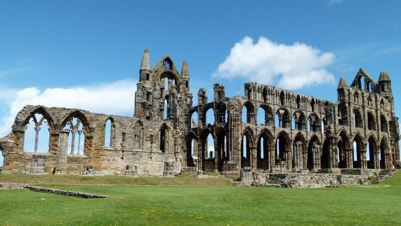 Download Whitby的修道院 库存照片. 图片 包括有 夏天, 约克夏, whitby, 拱道, 蓝色, 顽皮地 - 25214170