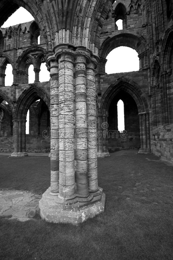 Download Whitby Abbey In Black & White Stock Image - Image: 4686397