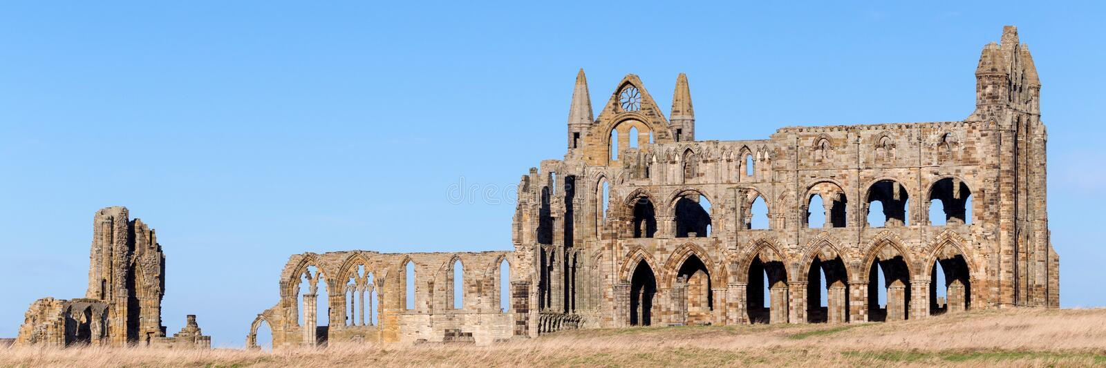Whitby Abbey-Panorama lizenzfreie stockfotos