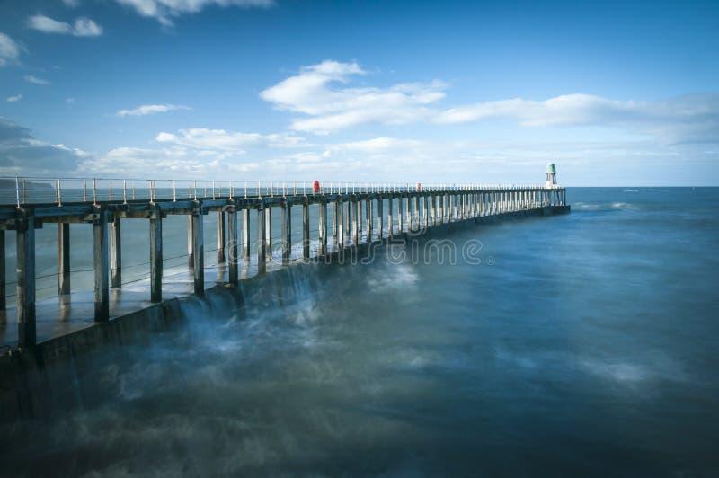 Whitby Harbour Pier fotos de archivo libres de regalías