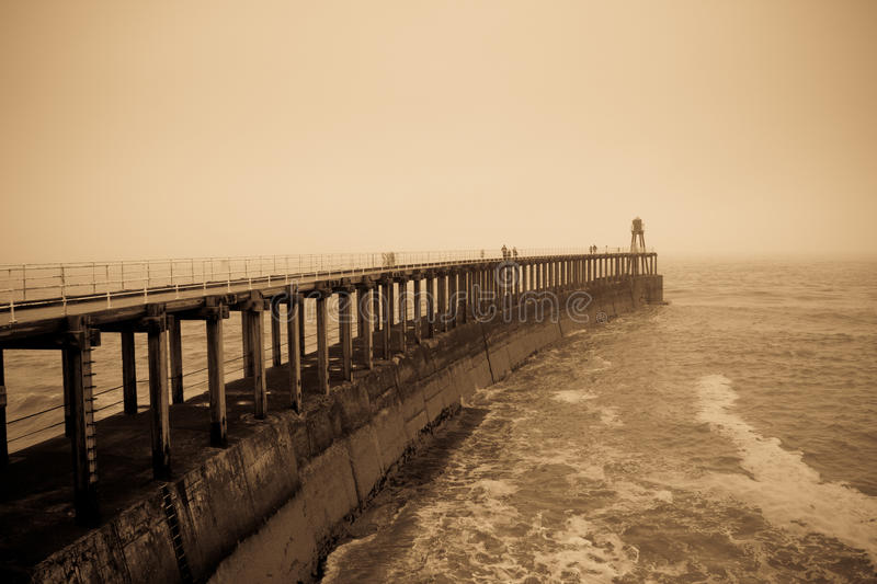 Whitby West Pier photographie stock