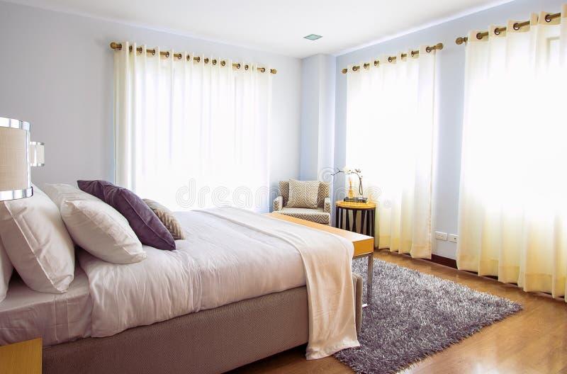 White Bed Comforter During Daytimne Free Public Domain Cc0 Image