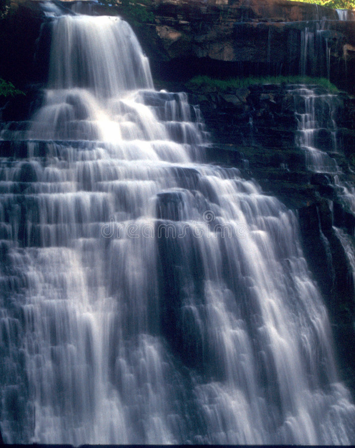 Free White Cascade Waterfall Royalty Free Stock Image - 600086