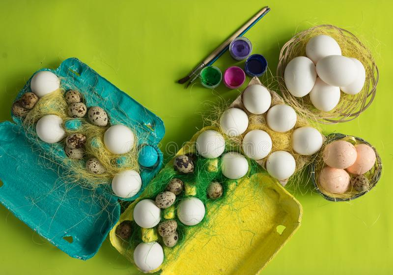White chicken Chicken and quail eggs in colored paper eco-friendly packaging with sisal Close-up photo Easter background. White chicken Chicken and quail eggs in vector illustration