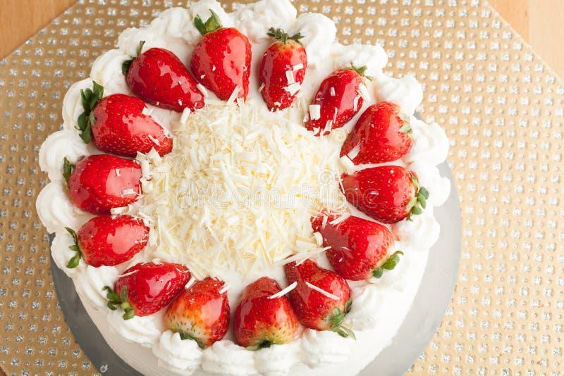 Cake With White Chocolate Shavings