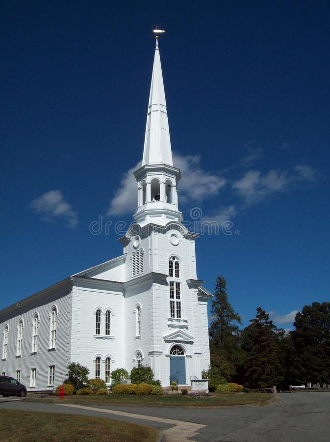 Free White Church With Tall Steeple Royalty Free Stock Images - 45071639