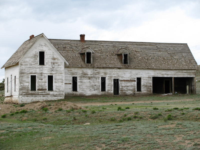 White Clouds Over Abandoned House On Grass Field Free Public Domain Cc0 Image