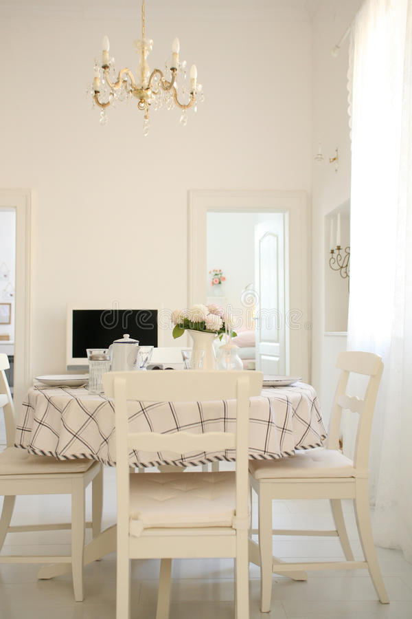Free White Dining Room Table Stock Photo - 21258580