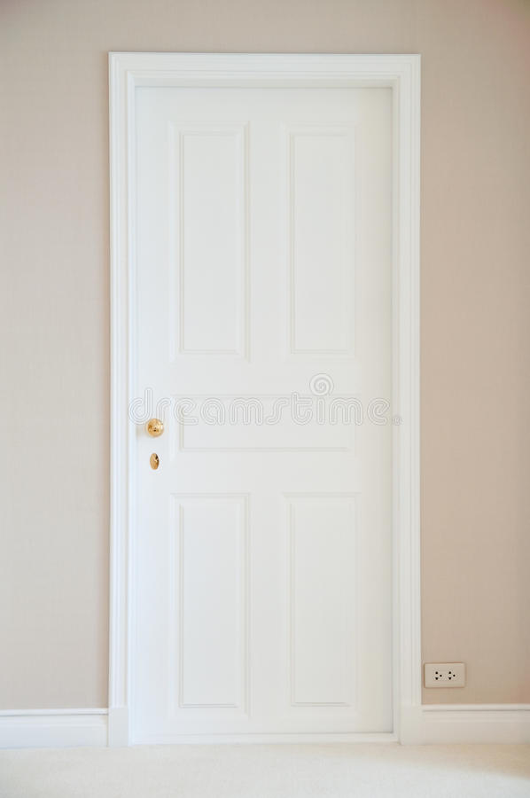 Free White Door Royalty Free Stock Photography - 27912177