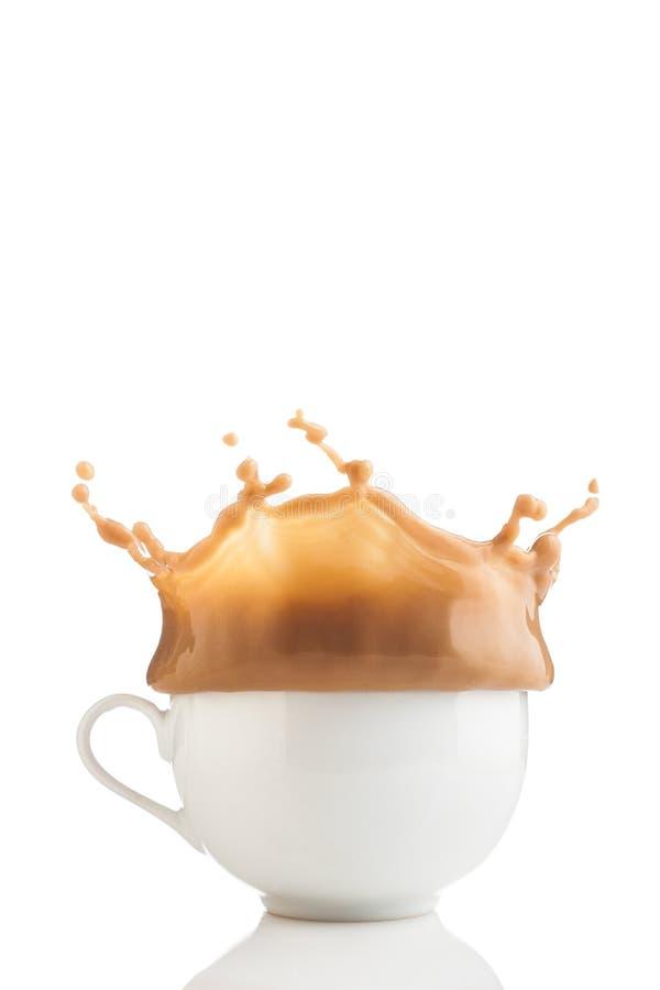 white för färgstänk för kaffekopp royaltyfri foto