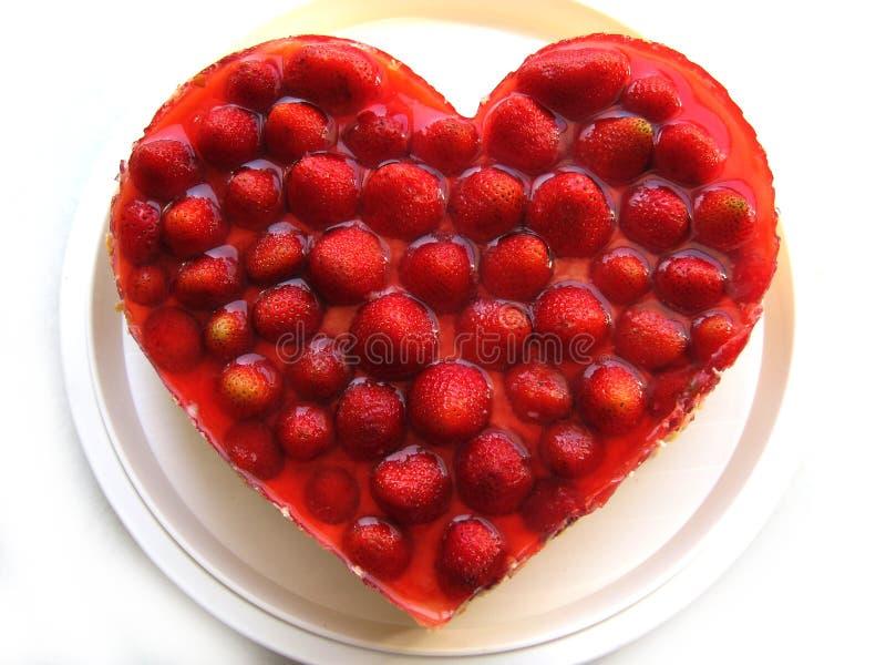 white för jordgubbe för bakgrundscake platta tjänad som royaltyfri bild