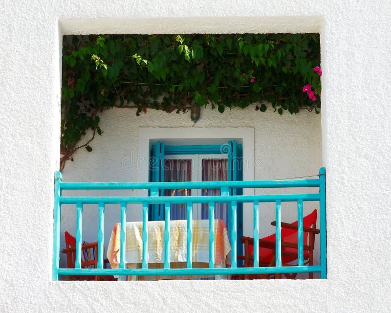 white för tak för blå green för balkong royaltyfria bilder